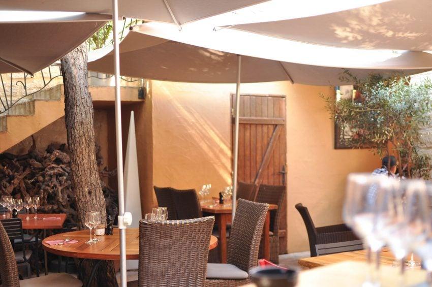 Restaurant- Bonne table- Camargues- Aigues-Mortes