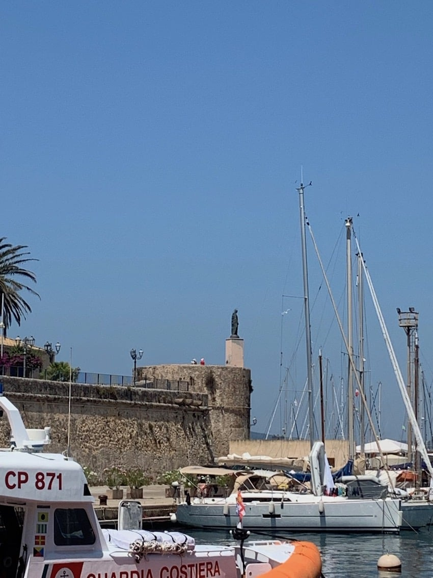 Le port d'Alghero en Sardaigne