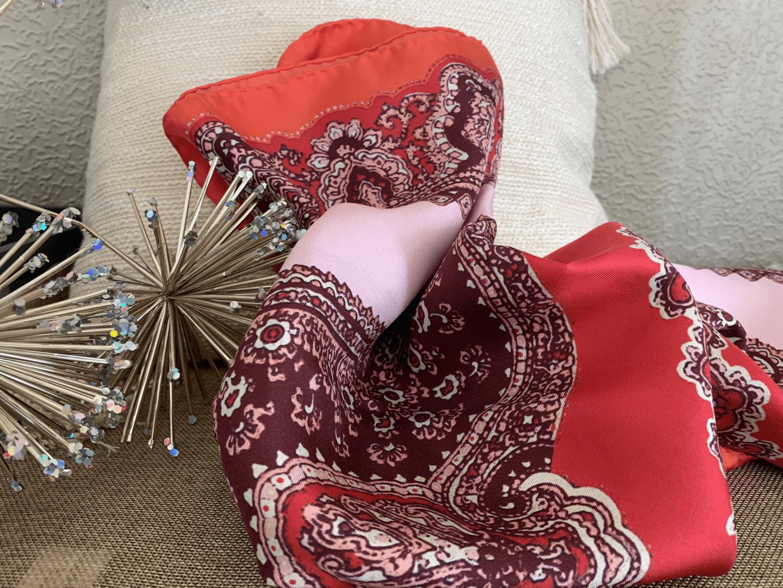 Le foulard en soie Danielle Engel